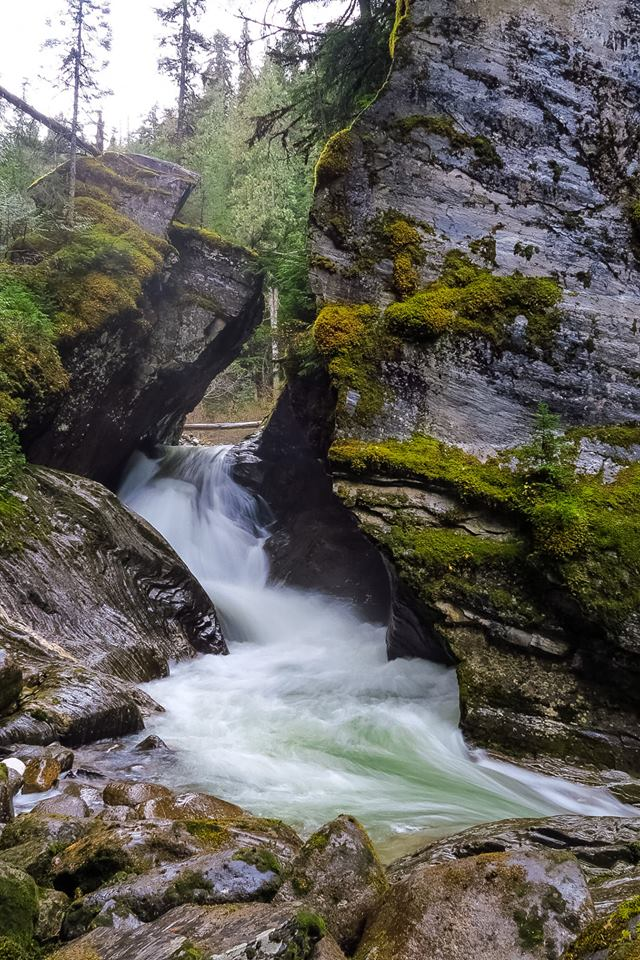 Hellroaring Falls BC