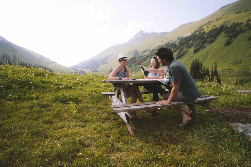 Summer is on at Whitecap Alpine Lodge